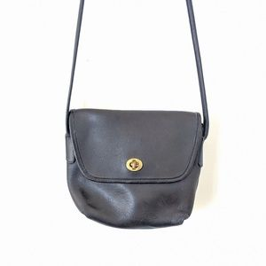 Vtg COACH Black Leather Flap Crossbody Purse Bag